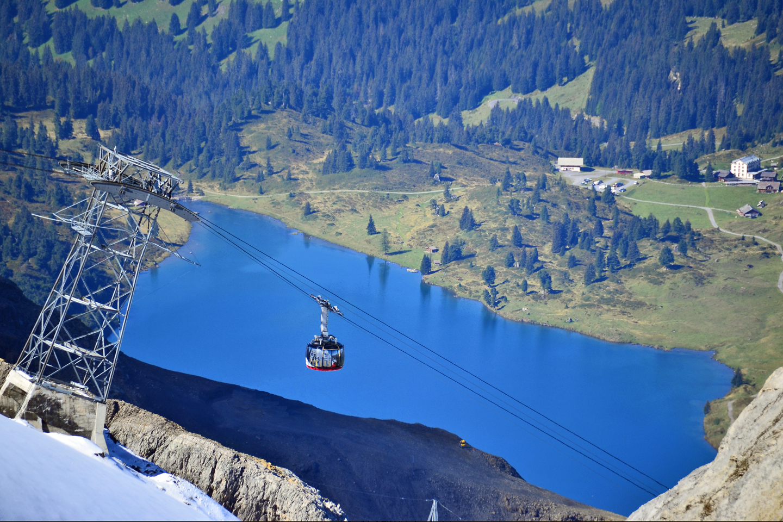 The Titlis cable car over lake Engstligen